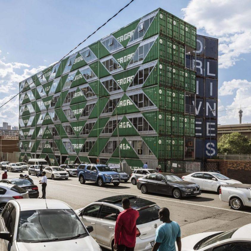 Drivelines Studios, un edificio hecho de contenedores 3