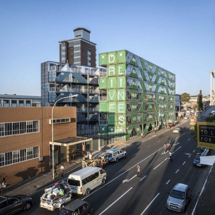Drivelines Studios, un edificio hecho de contenedores 2