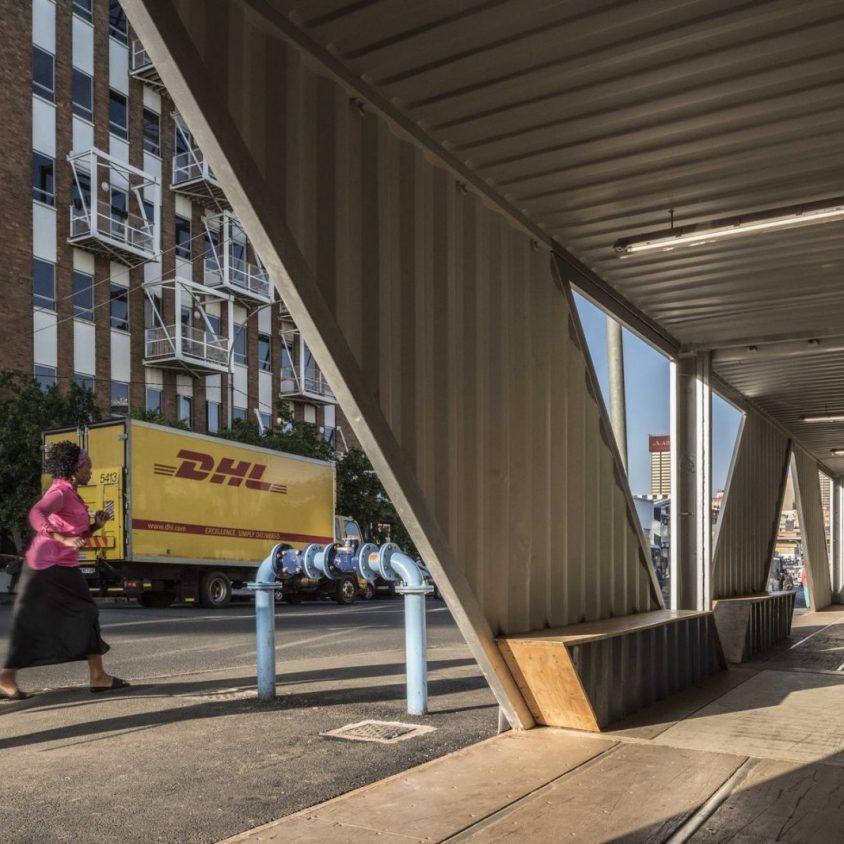 Drivelines Studios, un edificio hecho de contenedores 14