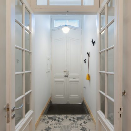La casita de la puerta amarilla 3