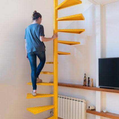 La casita de la puerta amarilla 8