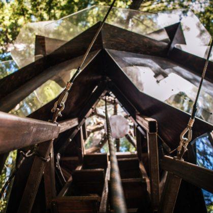 La casa de árbol con forma de piña 22