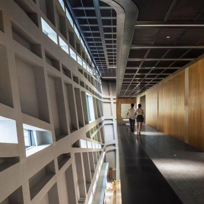 El extenso centro cultural Longgang 15