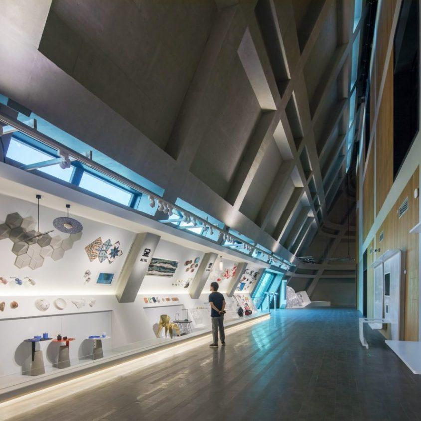 El extenso centro cultural Longgang 17