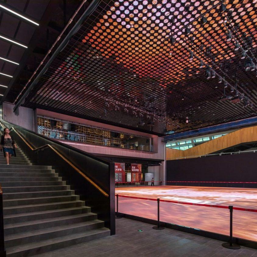 El extenso centro cultural Longgang 18