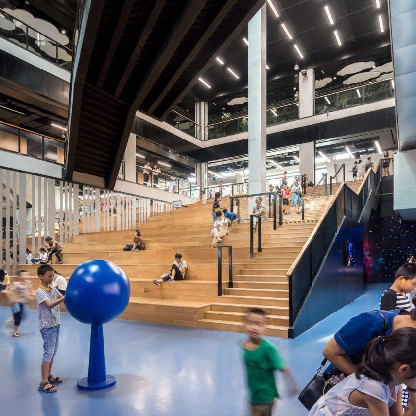 El extenso centro cultural Longgang 20