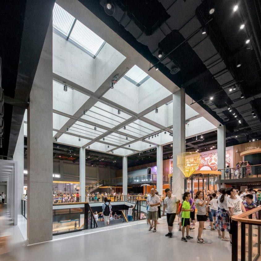 El extenso centro cultural Longgang 19