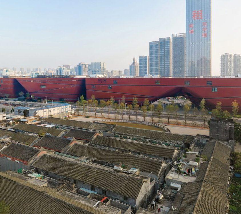El extenso centro cultural Longgang 6