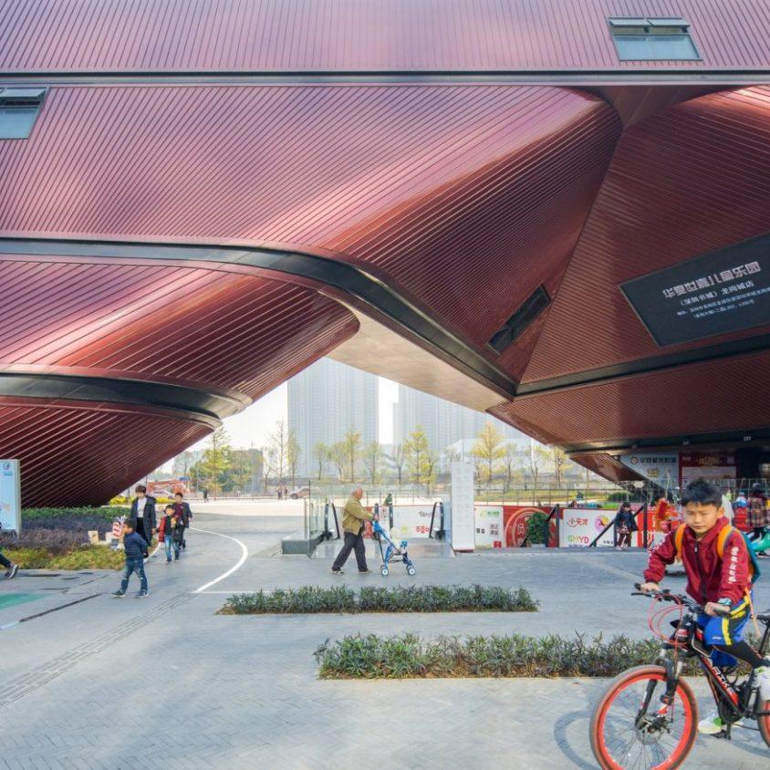 El extenso centro cultural Longgang 8