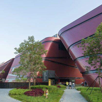 El extenso centro cultural Longgang 9