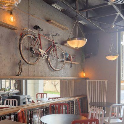 El estilo industrial de Strafta Gastro bar 13