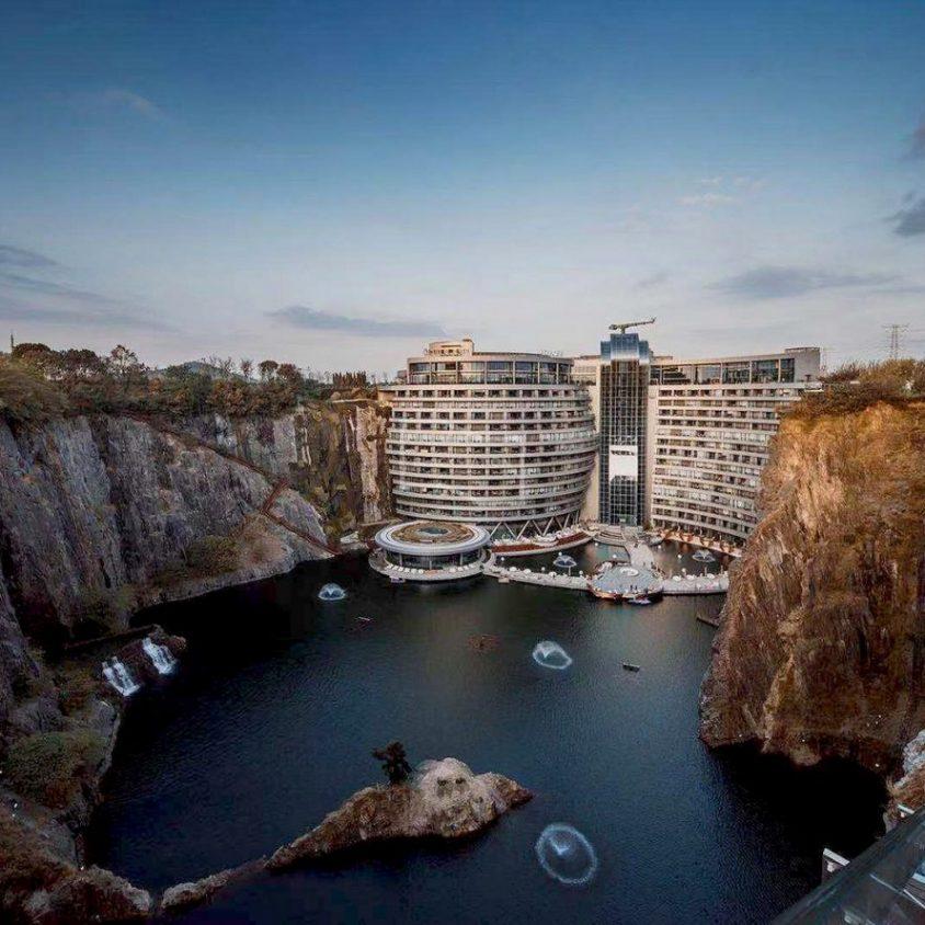 Shimao, un hotel de lujo en una cantera 6