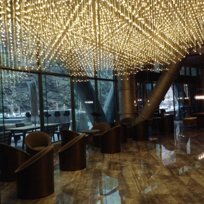 Shimao, un hotel de lujo en una cantera 9