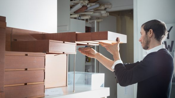 """Breaking the box"", el mobiliario desplegable de Sebastian ErraZuriz 4"