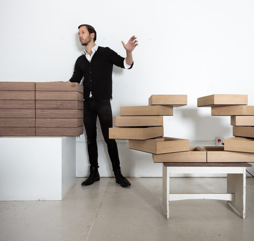 """Breaking the box"", el mobiliario desplegable de Sebastian ErraZuriz 6"