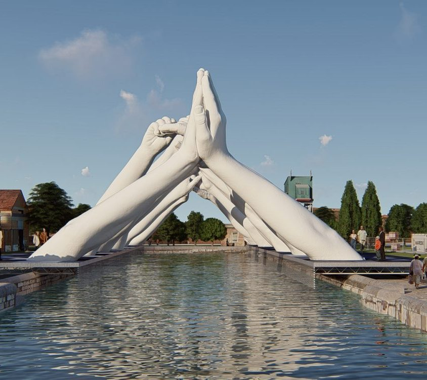 El escultural puente de manos de Lorenzo Quinn 1