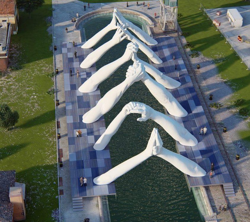El escultural puente de manos de Lorenzo Quinn 5