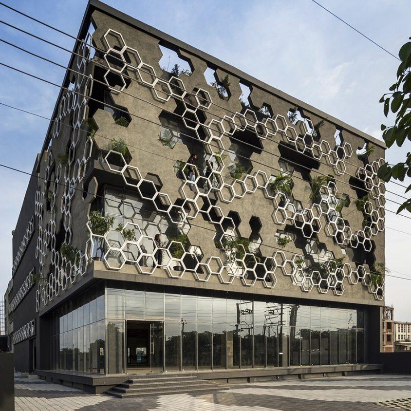 El diseño geométrico de la fachada de Hexalace 5