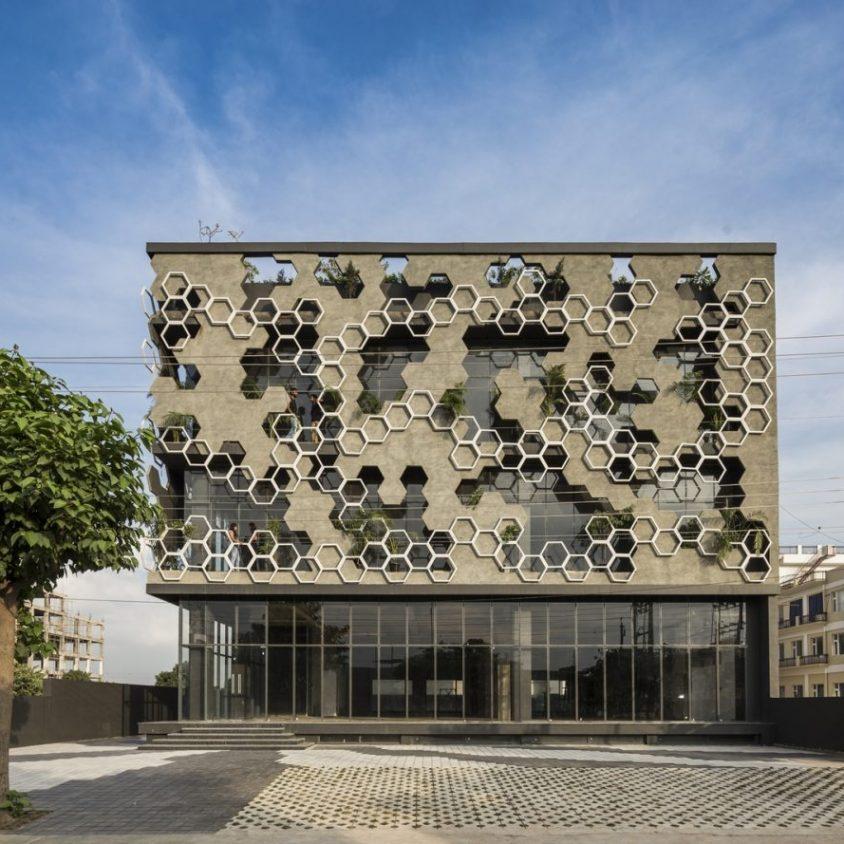 El diseño geométrico de la fachada de Hexalace 1