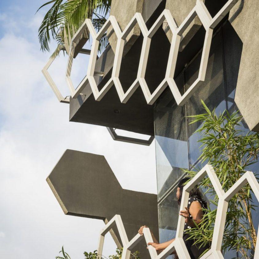El diseño geométrico de la fachada de Hexalace 13