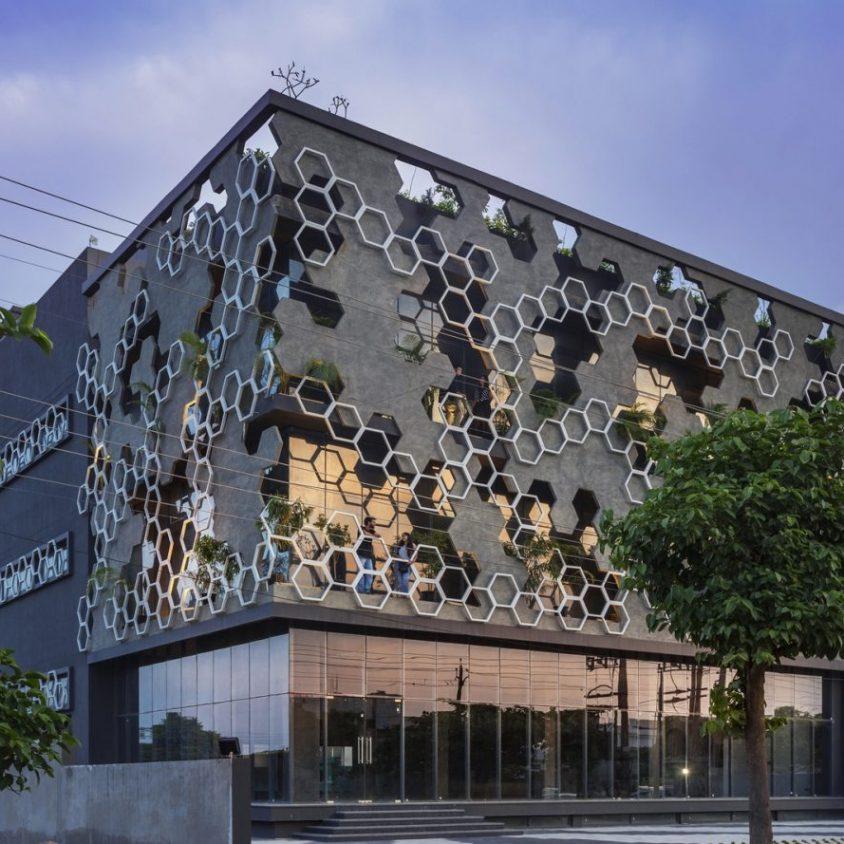 El diseño geométrico de la fachada de Hexalace 10