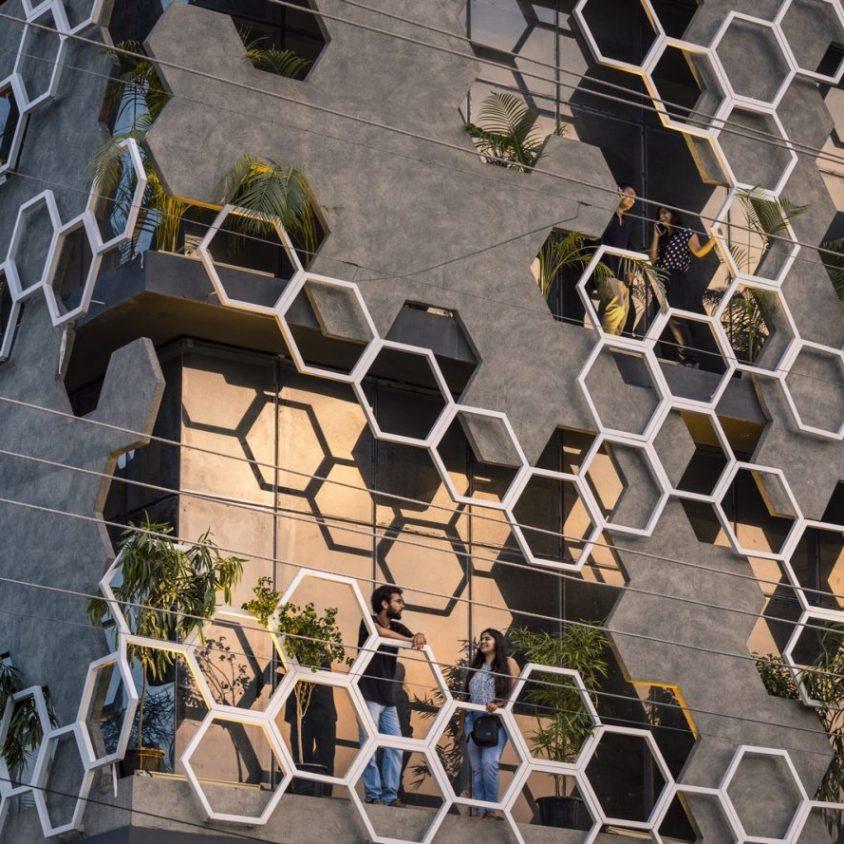 El diseño geométrico de la fachada de Hexalace 11