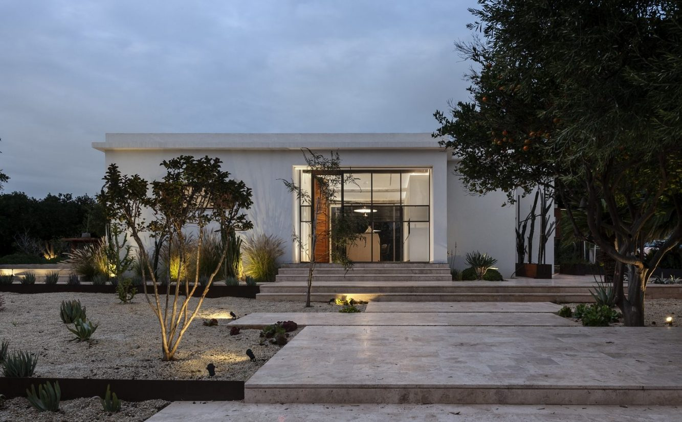 Mediterranean Cacti House 31