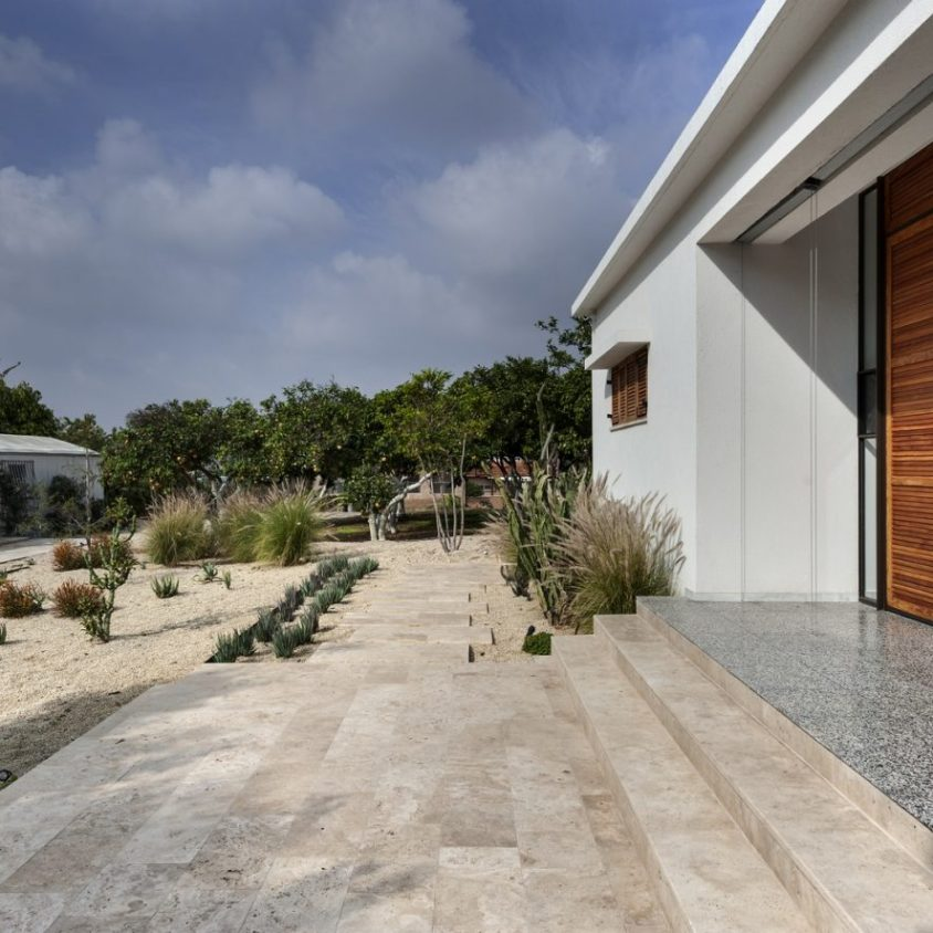 Mediterranean Cacti House 7