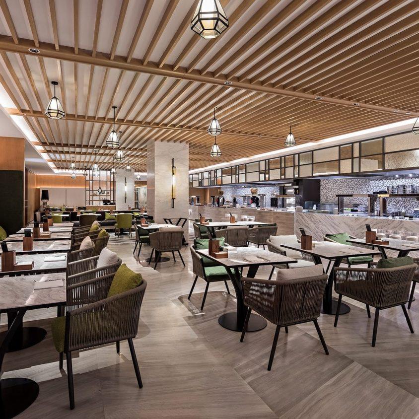 Hyatt Regency Beijing, un hotel que se fusiona con la naturaleza 14