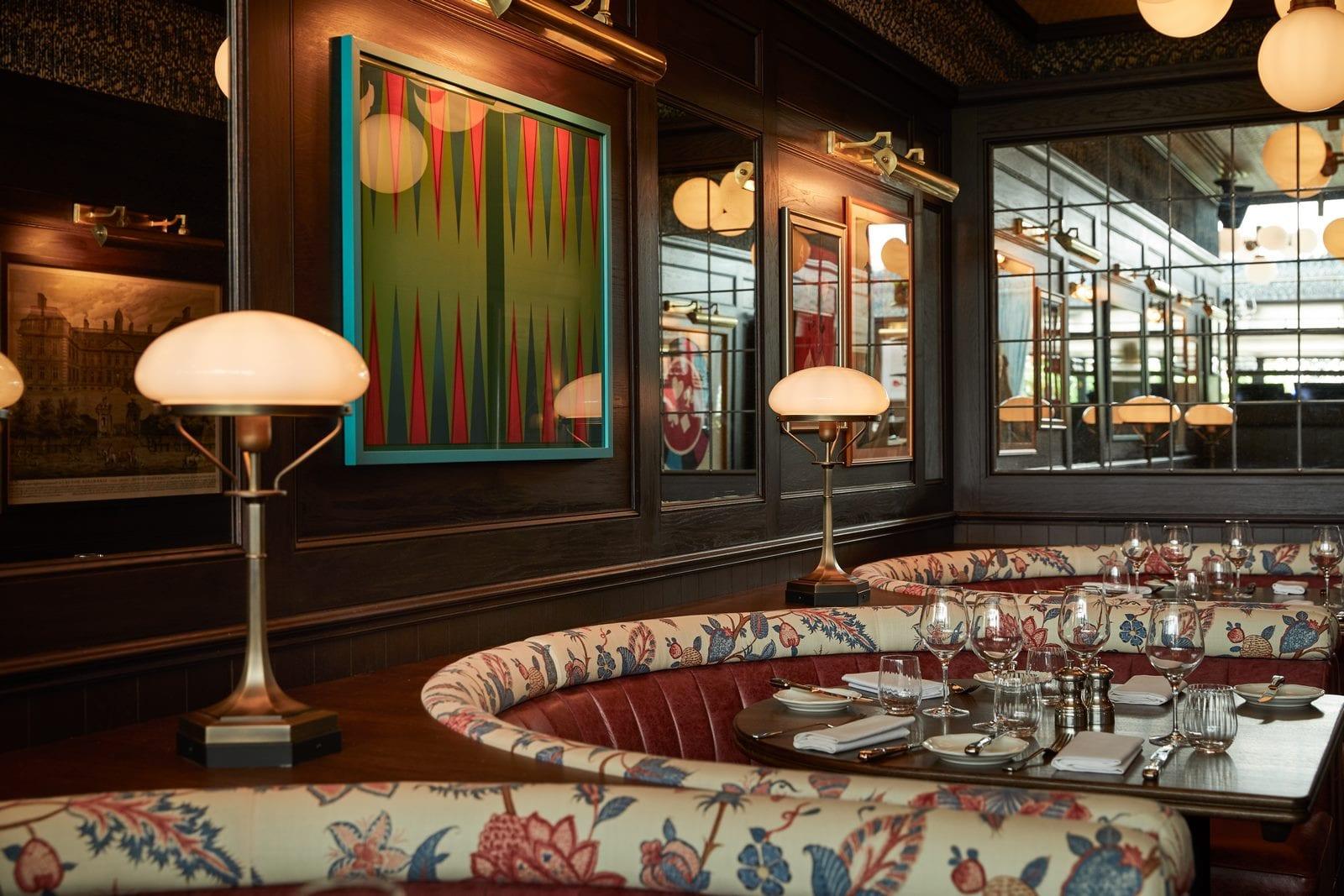 Arte y tradición en el restaurante Moncks 16
