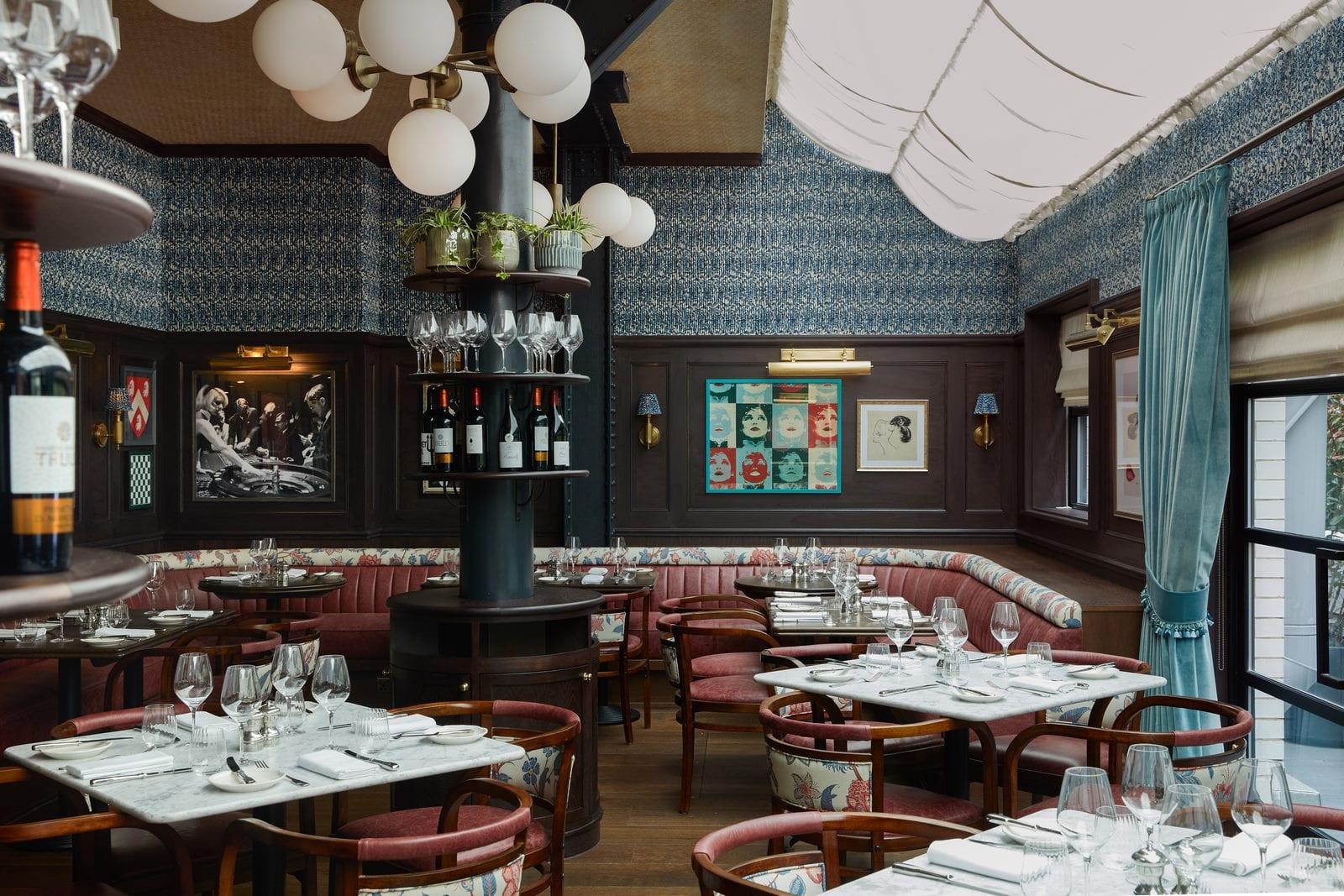 Arte y tradición en el restaurante Moncks 12