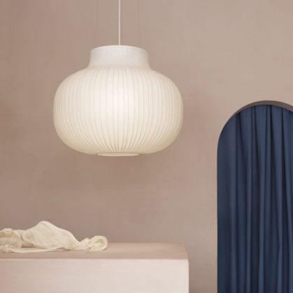La simpleza de las lámparas colgantes de Layer x Muuto 2