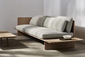 Benchmark_Muse_Sofa_Oak_WhiteOIled_Fabric_STYLED_12359C_From_£4995_HR (Copiar) - copia