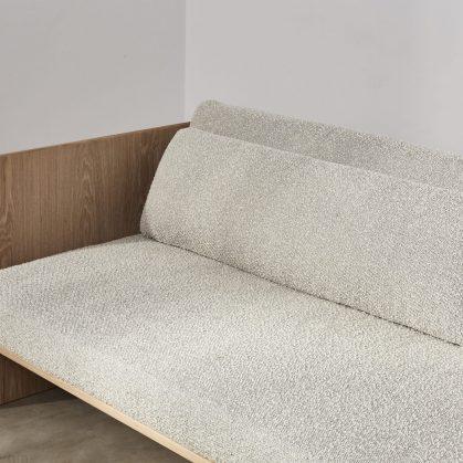 Muebles con diseño sostenible en Benchmark 2