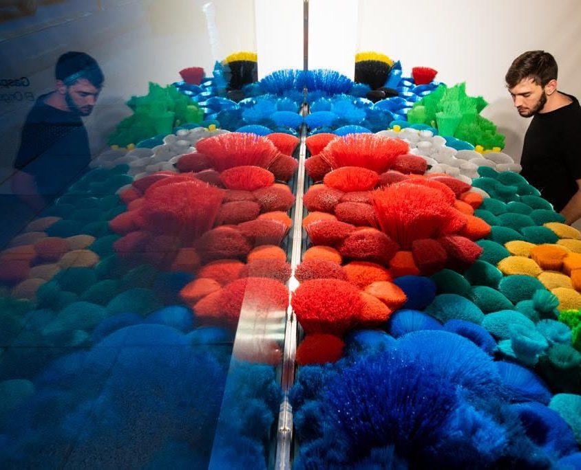 La naturaleza del mar representada por plástico reciclado 8