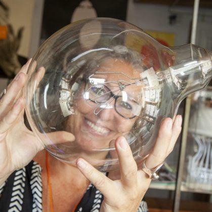 60 años después, la lámpara Bulbo vuelve a brillar 15