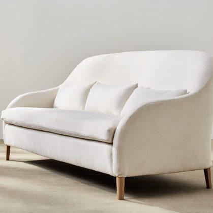 Muebles con diseño sostenible en Benchmark 18