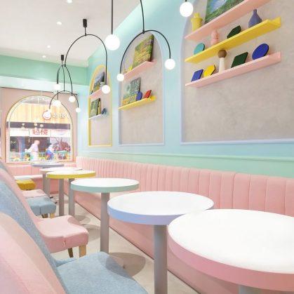 Una tienda con colores pasteles inspirados en una receta francesa 13