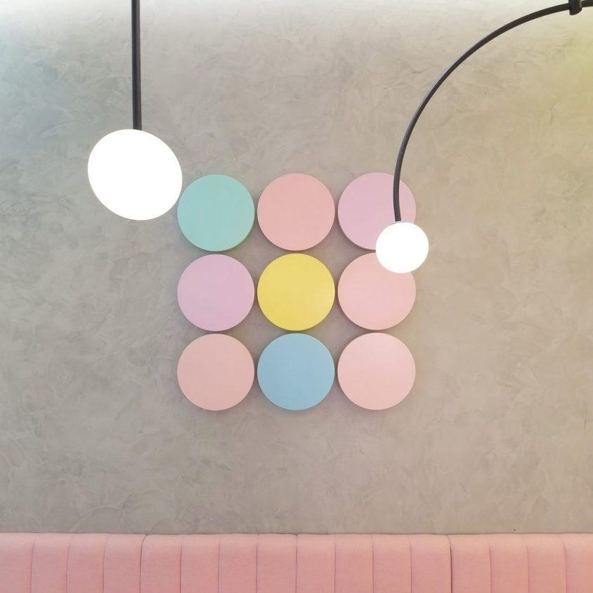 Una tienda con colores pasteles inspirados en una receta francesa 8