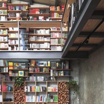 Música, comidas y lectura en Cauz Foro Librería 2