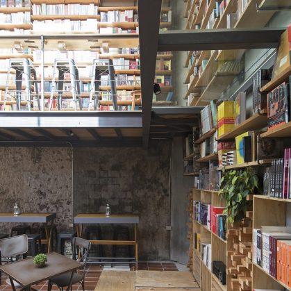 Música, comidas y lectura en Cauz Foro Librería 3