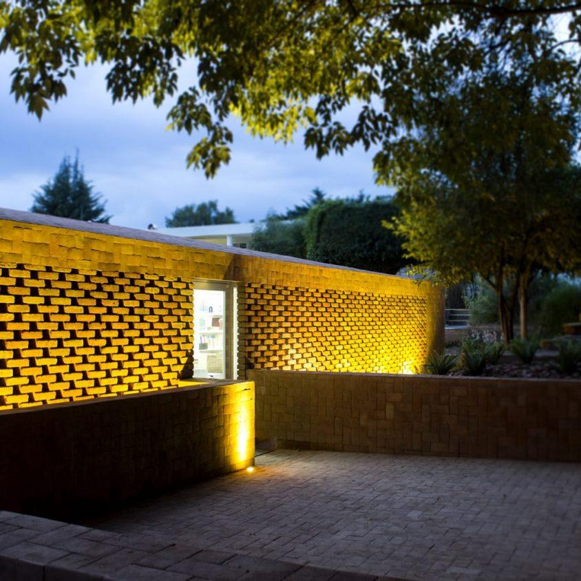 El uso innovador de materiales para un Centro Educativo 10