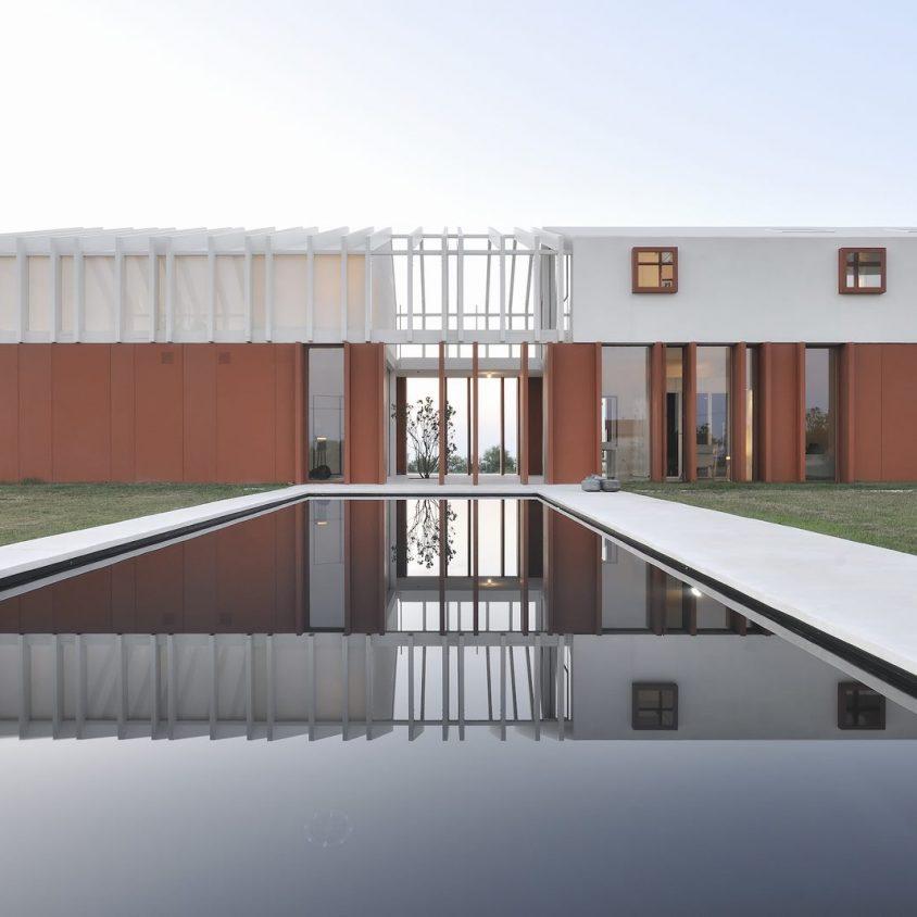 La Casa di Confine, conectada con el paisaje campestre 10