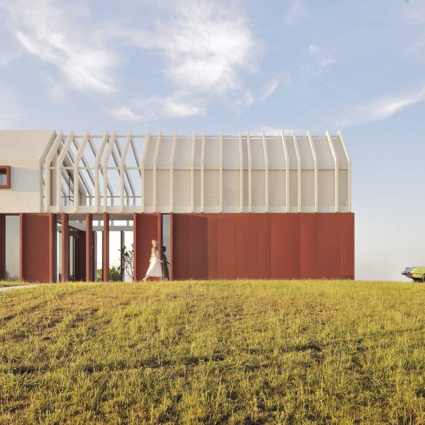 La Casa di Confine, conectada con el paisaje campestre 20