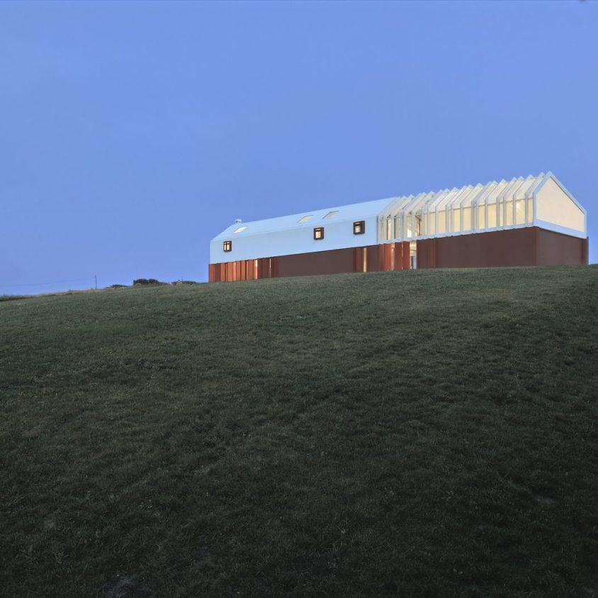 La Casa di Confine, conectada con el paisaje campestre 4