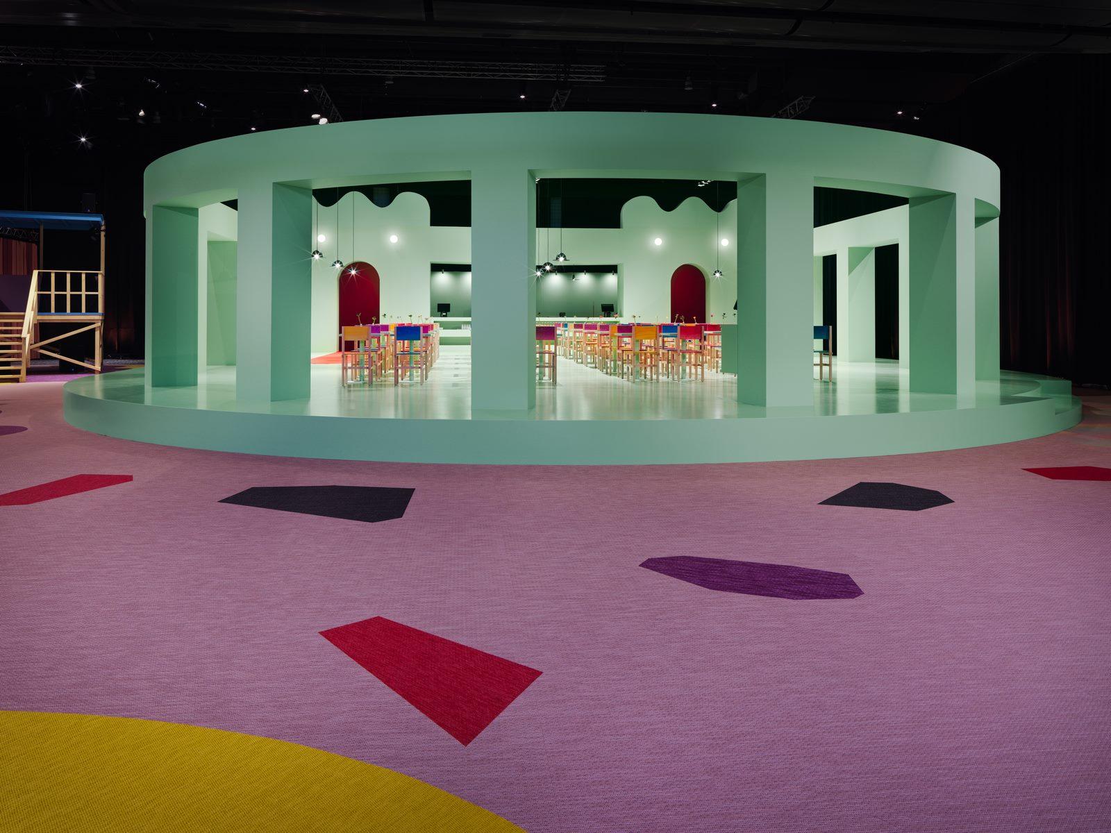 El diseño escandinavo de festejo en Stockholm Furniture & Light Fair 18