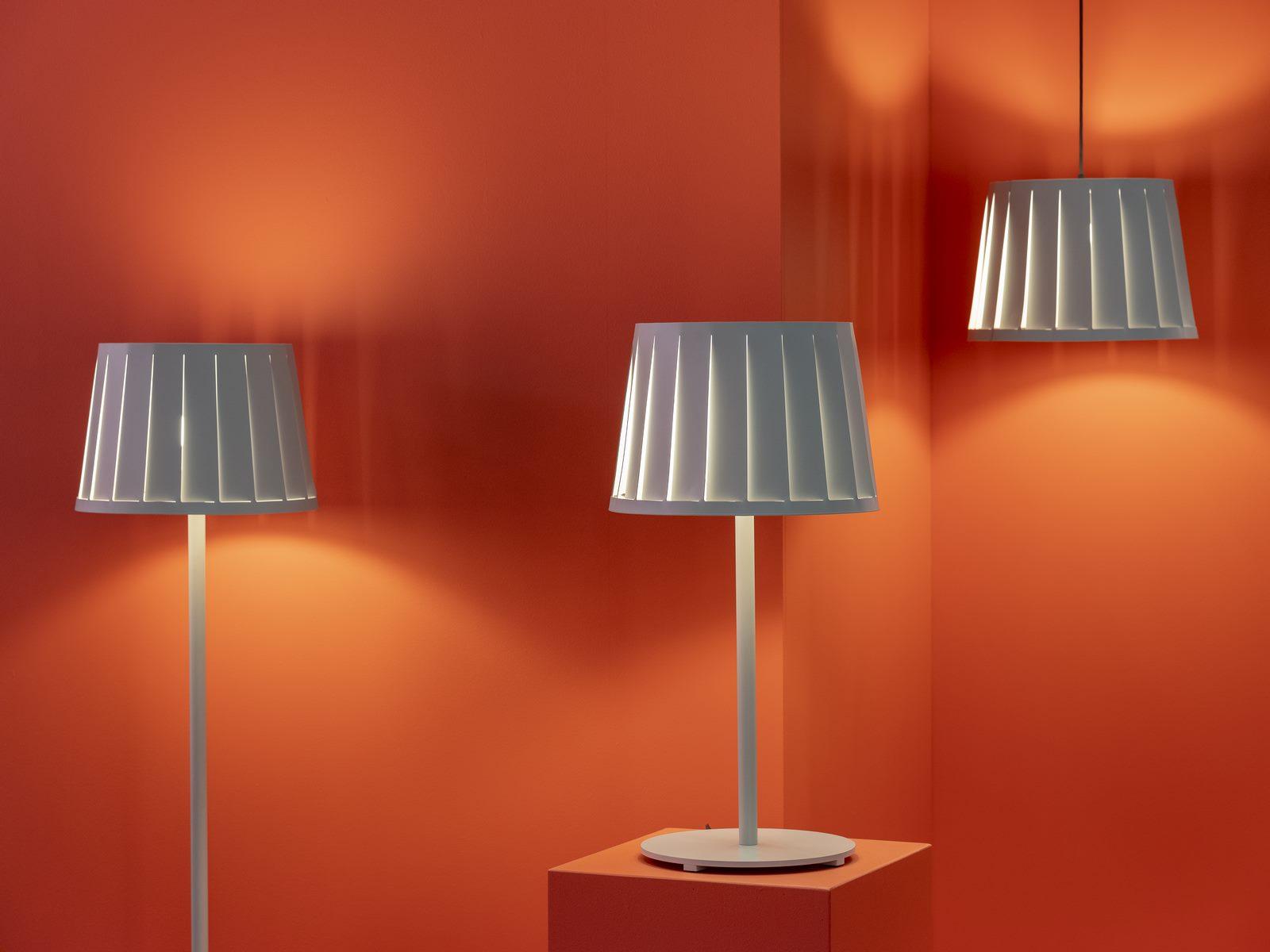 El diseño escandinavo de festejo en Stockholm Furniture & Light Fair 24