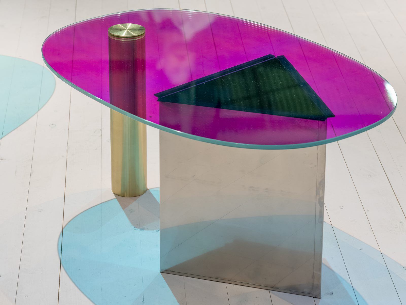 El diseño escandinavo de festejo en Stockholm Furniture & Light Fair 25