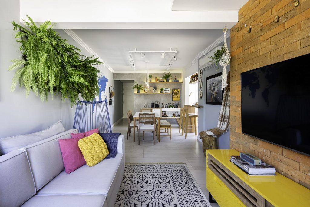 Una casa de playa en un departamento de ciudad por W4 Arquitetura 11