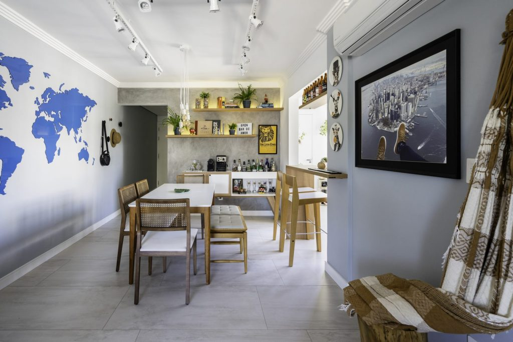 Una casa de playa en un departamento de ciudad por W4 Arquitetura 13